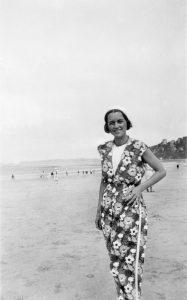 Foto av Vesaas, Halldis Moren i Bretagne 1932 Foto Tarjei Vesaas Med løyve frå familien
